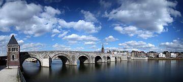 Sint Servaas brug Maastricht, kleur sur Pascal Lemlijn