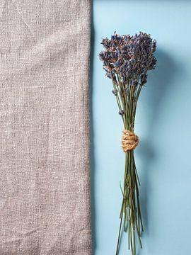 Lavendel op hessisch en blauw van Graham Forrester