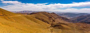 Panorama in de Midden-Atlas, Marokko van Rietje Bulthuis