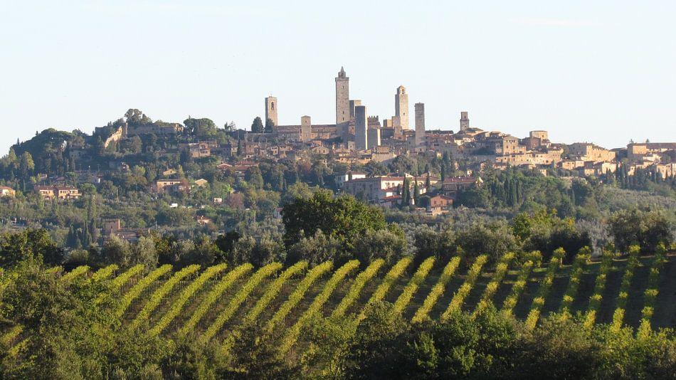 Uitzicht op San Gimignano in  Italië (Toscane)