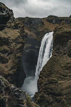 IJslandse Waterval V van Colin van Wijk