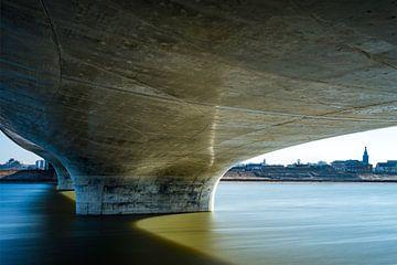 Nijmegen aan de Spiegelwaal von Maerten Prins