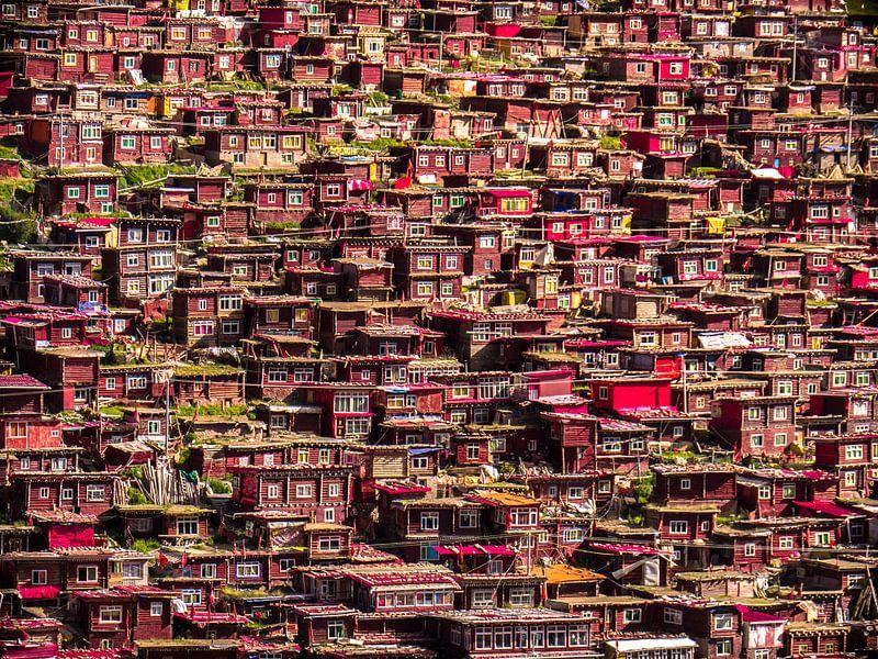 Houten huisjes van Larung Gar