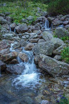 Mountain stream von Arkadiusz Kurnicki