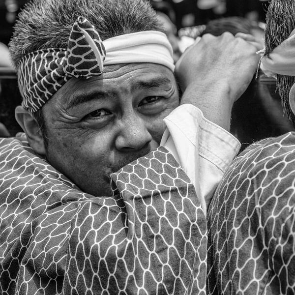 Portret traditionele man uit Japan van Loek van de Loo