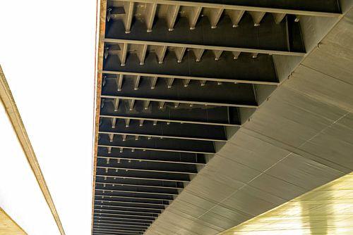 Prins Willem Alexanderbrug : detail van de onderkant brug