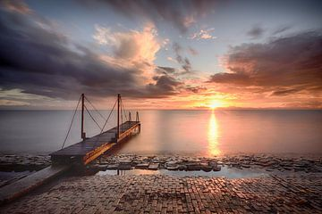 Steiger IJsselmeer van John Leeninga