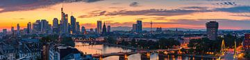 Panorama van een zonsondergang in Frankfurt am Main