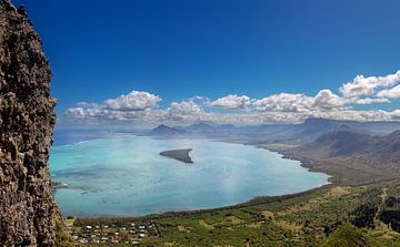 Kustlandschap op Mauritius van Dirk Rüter