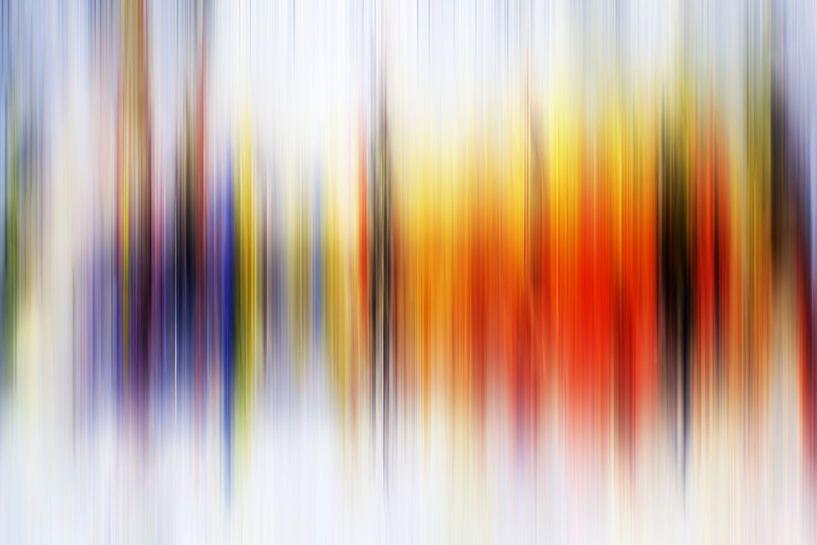 Modern, Abstract Digitaal Kunstwerk in Oranje Paars van Art By Dominic