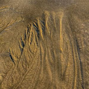 Sculpturen in zand.... van Dick Kattestaart