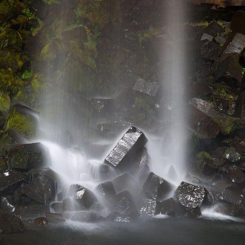 Svartifoss waterval IJsland van
