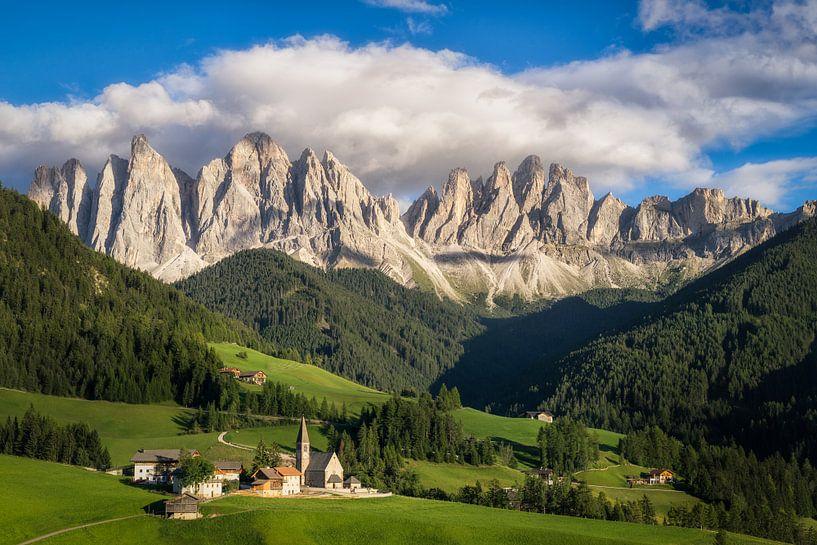 Uitzicht in de Dolomieten van Edwin Mooijaart