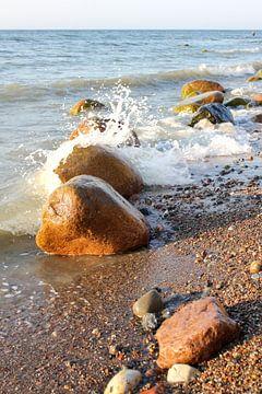 Baltische stenen in de avond van Ostsee Bilder