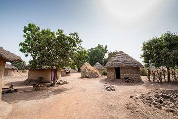 Typisch Afrikaans dorpje van Ellis Peeters