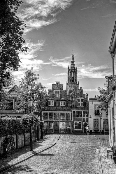 Havik en Bloemendalse Binnenpoort historisch Amersfoort zwartwit van Watze D. de Haan