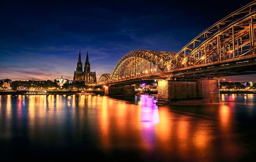 Stadsgezicht Keulen, Duitsland van Martijn van Steenbergen