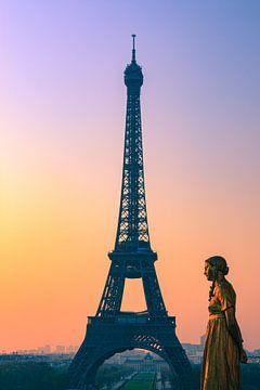 Sunrise in Paris, France van Henk Meijer Photography