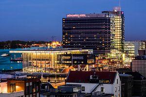 Muziekgebouw aan het IJ en Movenpick hotel Amsterdam
