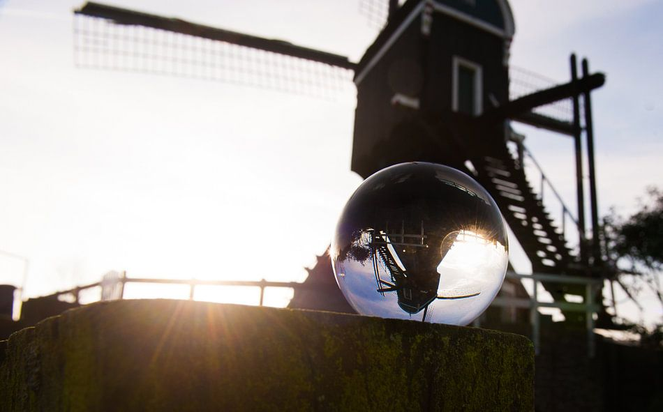 Glass bubble view  van Brian Morgan