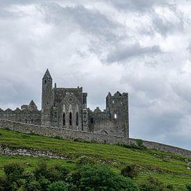 Rock of Cashel with Castle van Elly van Veen