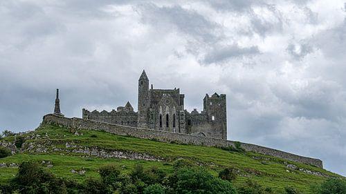 Rock of Cashel with Castle van