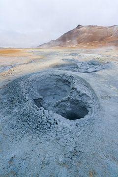 Modderputten op Hverir, IJsland von