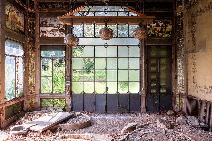 Verlassenes Gewächshaus im Zerfall. von Roman Robroek