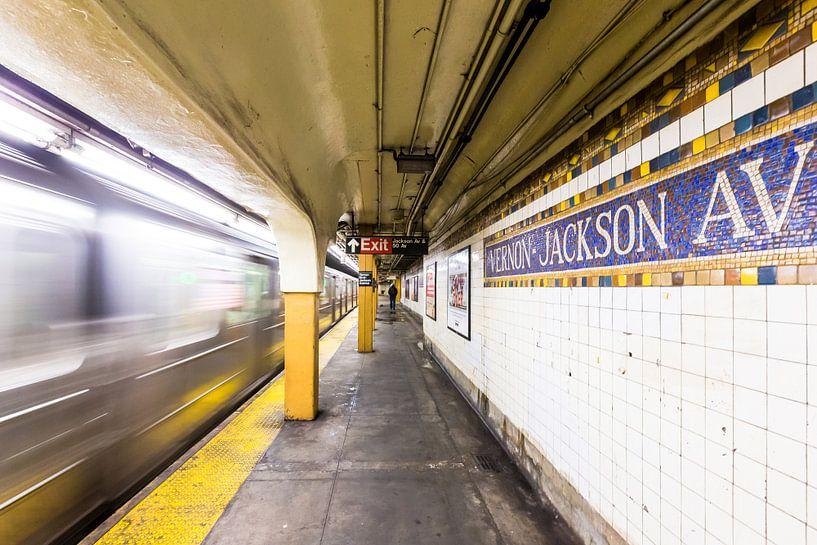 New York Subway Fast Train van Inge van den Brande
