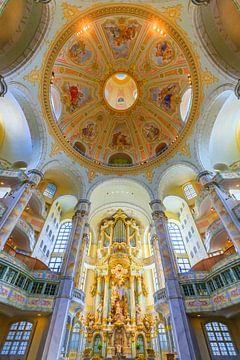 Decke und Orgel der Frauenkirche in Dresden