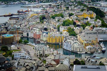Ville colorée d'Art nouveau Ålesund sur iPics Photography