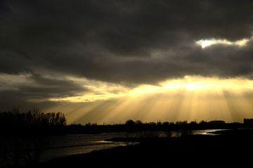 Zonnestralen van Luuk de Vries