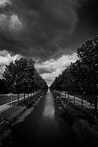 Donkere wolken van Danny Vroemen