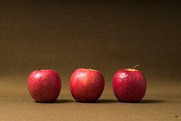 Drie Jonagold op een rij. van Lieke van Grinsven van Aarle