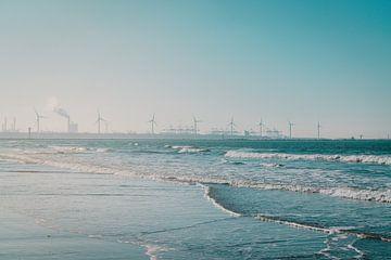 Windmolens aan zee bij Hoek van Holland van Robin van Steen