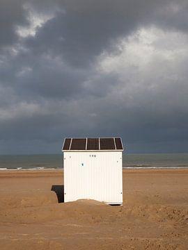 Strandhuisje in Oostende, België van Marja Verbaan