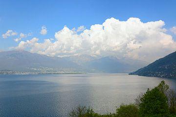 Lago Maggiore - Seeblick von Gisela Scheffbuch
