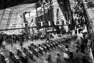 De levendige stad - Rotterdam Centraal Station van LYSVIK PHOTOS