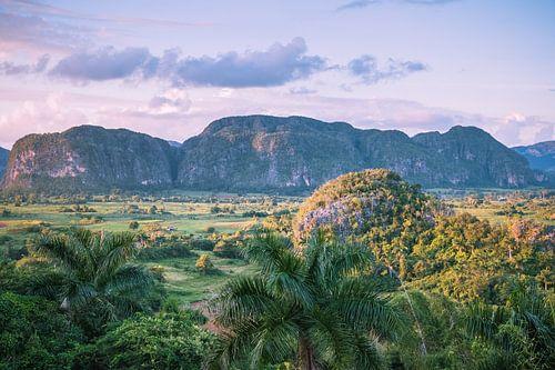 Vinales-vallei in Vinales Cuba magenta versie