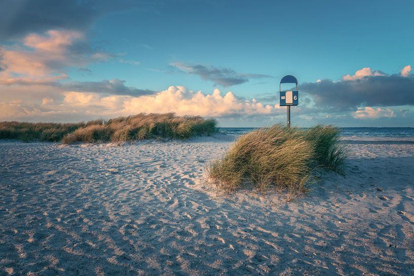 Ostsee Heiligenhafen Strand im Abendlicht von Jean Claude Castor
