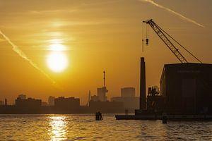 De zonsopkomst vanaf het RDM-terrein in Rotterdam