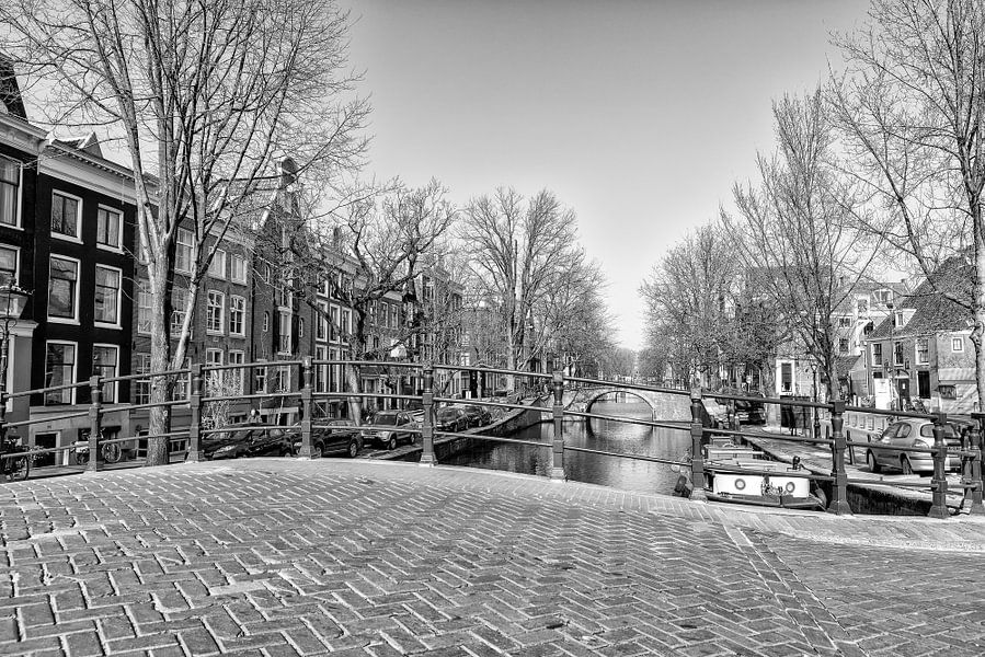 Reguliersgracht bij Amstelveld in Amsterdam van Don Fonzarelli