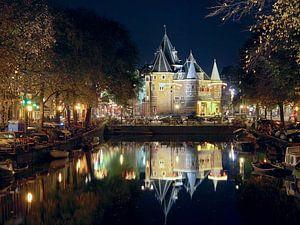 De Waag (Nieuwmarkt Amsterdam) bij nacht