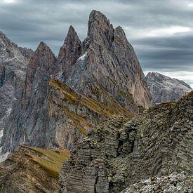 De Odle groep negen bergtoppen rijzen hooguit boven de alpen van Gerry van Roosmalen