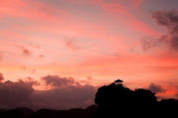 Vibrant sunset over Lan Ha Bay, Vietnam