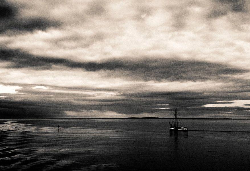 Zeilen op de waddenzee van Marlon Mendonça Dias