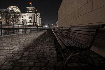 Reichstagsgebäude Berlin bei Nacht von Frank Herrmann