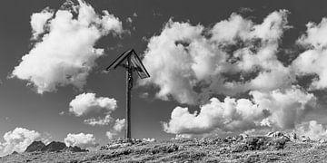 Mountain Cross op de Rappensee van Walter G. Allgöwer