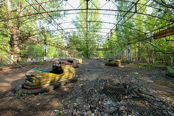 Fête foraine abandonnée : voiture tamponneuse à Pripyat Tchernobyl
