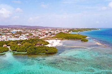 Lucht foto van de kust van Aruba van